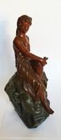 Sphinx fején ülő fiatal lány , bronz kompozíció