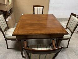 Gyönyörű Klasszikus étkező asztal 4 db székkel