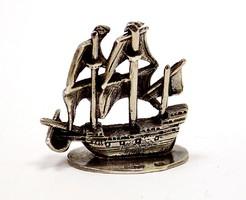 Ezüst vitorlás miniatűr figura (ZAL-BI41010)