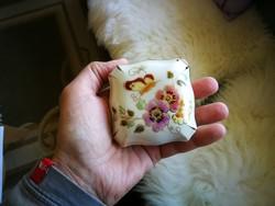 Zsolnay pillangó mintás porcelán kis bonbonier