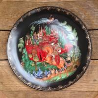 Régi mesejelenetes orosz porcelán fali tányér certifikáttal saját dobozában.