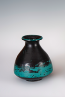 Gorka Lívia - Türkiz váza