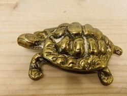 Bronz teknős figura