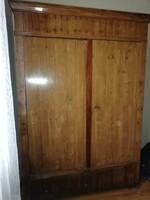 1800- as évek eleji szétszedhető biedermeier szekrény tiszafa furnérral