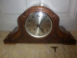Régi faragott felesütős komód óra kandalló óra