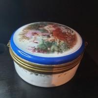 Festett porcelàn  èkszertartó rèzcsattal