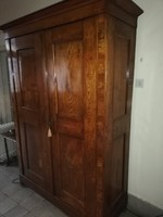 1800-as évek közepi furnérozott  (tölgy? )szétszedhető bíedermeier szekrény