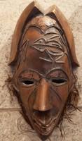 Régi faragott maszk