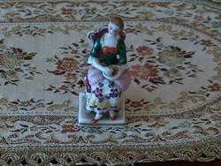 Antik altwien kézzel festett hibátlan miniatűr szobrocska, ülő nő