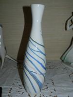 Aquincumi aquazur festésű váza.