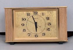 Nagyon mutatós szovjet Molnija mechanikus sztali óra