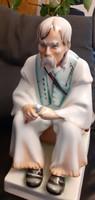 Kézzel festett, gyönyörű Zsolnay szalonnázó szobor, a festő aláírásával