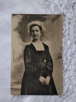 Antik francia képeslap/fotólap fiatal lány Rospordenből csipke fejdíszben 1910 körüli darab