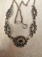 Antik ezüst nyakék gránát kővel