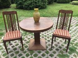 Antik asztal 2 db székkel