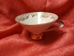 Gyönyörű porcelán csésze pótlásra