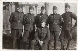 Katona csoportkép, ügyességi jelvény, 1936 Szeged