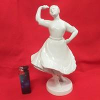 Zsolnay Fehér Táncoló,Menyecske Figura.23 cm.