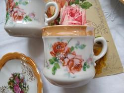 Gyönyörű antik rózsás 'csomag' 2 kávés szett aljjal, és egy antik rózsás képeslap