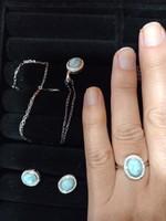 Ezüst füli medál és gyűrű szett larimar drágakővel Ana & Co USA