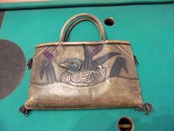 Nöi bőr vadkacsa motivumos kézi táska