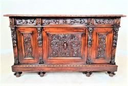 Antik,frissen felújított Olasz reneszánsz, dúsan faragott íróasztal
