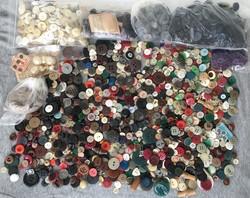 Vintage rengeteg régi gomb csomagban