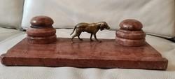 Antik Íróasztal, tintatartó vörös màrvàny, Bronz kutya szobor, tintatartó, tolltartó résszel Vizsla