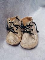 Kicsi cipők