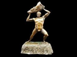 Sziklát tartó ember bronz szobor