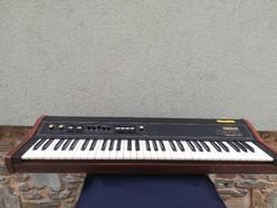 Yamaha CP10. Electronic Piano.