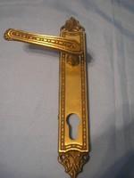 UT Díszes belső ajtó kilincs biztonsági zárhoz a külső feléhez nyitó gomb kell