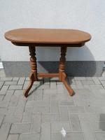 Vintage ovális csinos asztal