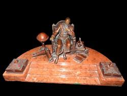 Galileo Galilei, patinás bronzszobor óriás dupla kalamáris