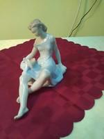 Drasche galambot etető porcelán figura.