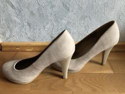 Eladó világos magassarkú cipő