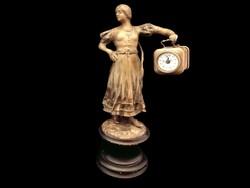Órát tartó lány bronz szobor