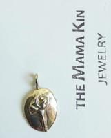 The Mama Kin - Szegfű ezüst medál