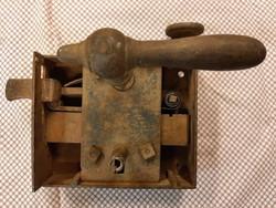 PINCEZÁR ---FELLELT ÁLLAPOTBAN 140×170mm---3,3KG