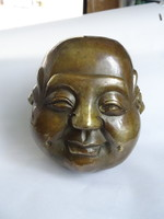 Szép  állapotú nagy méretű, négy arcú bronz buddha fej.