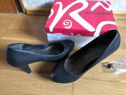 Eladó fekete magassarkú cipő