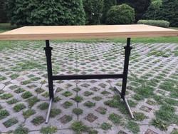 Állítható magasságú fém lábú Retro asztal