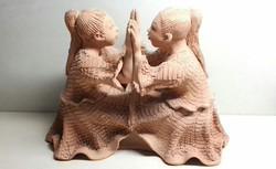 Gyönyörű sorszámozott Illár Erzsébet tapsoló lányok szobor