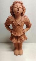 Illár Erzsébet éneklő lány kerámia szobor szép állapotban