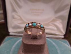 Antik arany gyűrű türkizekkel, gyöngyökkel és apró rubinokkal