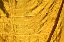 Csodaszép óarany színű ágy terítő / sötétítő nehéz selyem anyagból  ( DBZ 00131 )