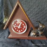 Retro orosz kutyaház óra bronz kutyával