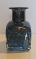 Kosta Boda Bertil Vallien kék váza