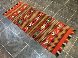 Kézi szövésű gyapjú szőnyeg - Tisztítva, 68 x 173 cm