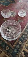 Gazdagon díszített nagyobb kristály tál, asztalközép
